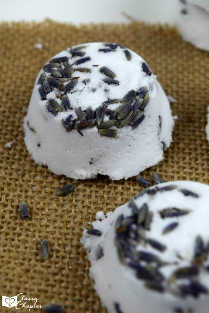 Homemade Lavender Bath Bombs are an easy DIY beauty recipe. Very easy to make and perfect to add into your daily beauty routine.