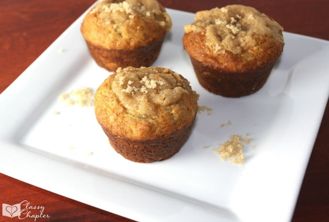 These pumpkin spice banana muffins are so moist and absolutely delicious. | Easy Dessert | Pumpkin Recipe